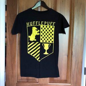 Hot Topic Harry Potter Hufflepuff Shirt sz S